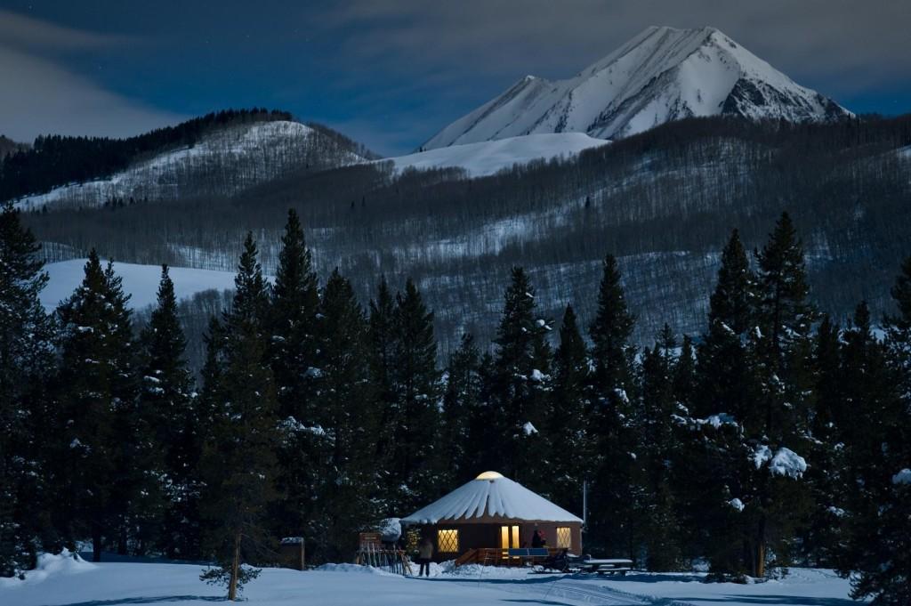 yurt-moonlight