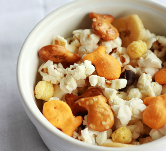 Goldfish popcorn mix