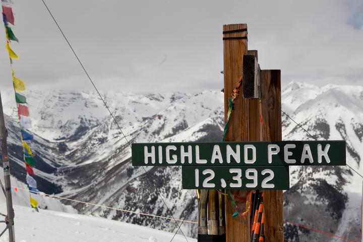 Highland Peak Sign