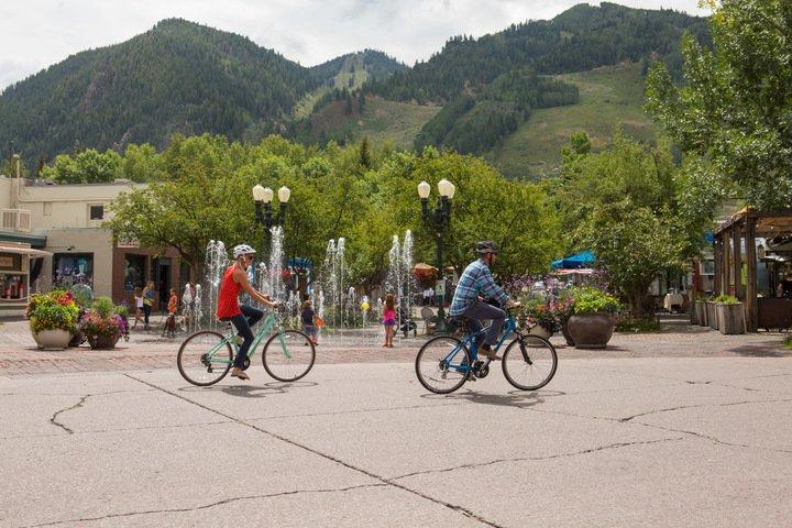 ski town bike cruise