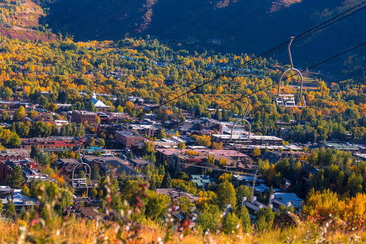 Shoulder Season in Mountain Towns
